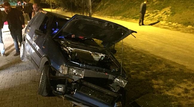 Kaza Yapan Arabasını Bırakıp Kaçıyor