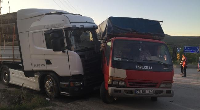 Karabük'te Trafik Kazası; 17 Yaralı