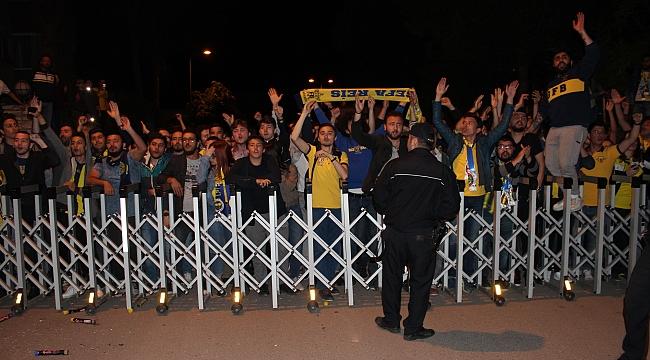 Fenerbahçe'ye Karabük'te Coşkulu Karşılama