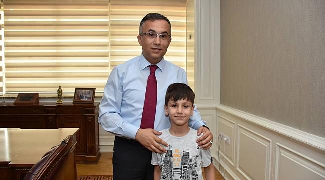 Vali Çeber, vali olmak isteyen Mehmet Emin Yavaşcı'yı kabul etti