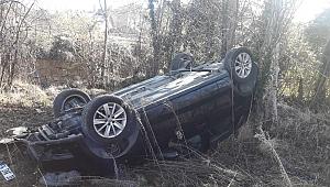 Otomobil Yoldan Çıkarak Takla Attı: 2 Yaralı