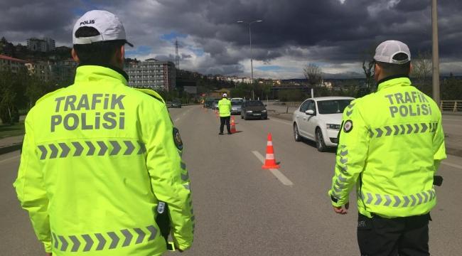 Kurallara Uymayan Sürücülere Ceza Kesildi
