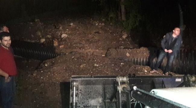 Karabük'te otomobil sele kapıldı