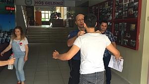 Karabük'te  sınava geç kalan aday içeriye alınmadı