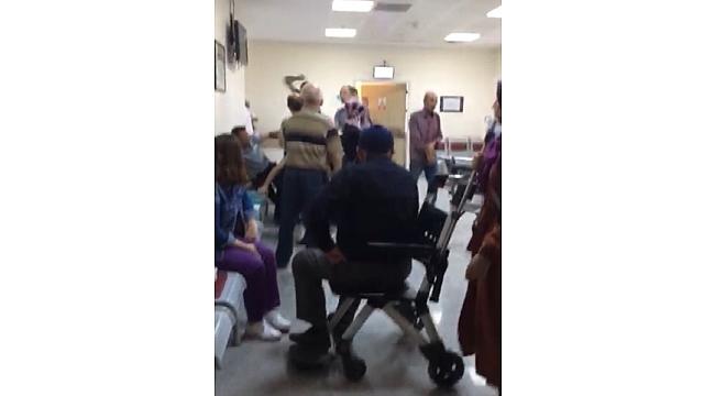 Hasta yakınları 'sıra' kavgasında güvenlik görevlisini darbetti