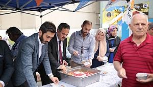 AK Partiden aşure ikramı