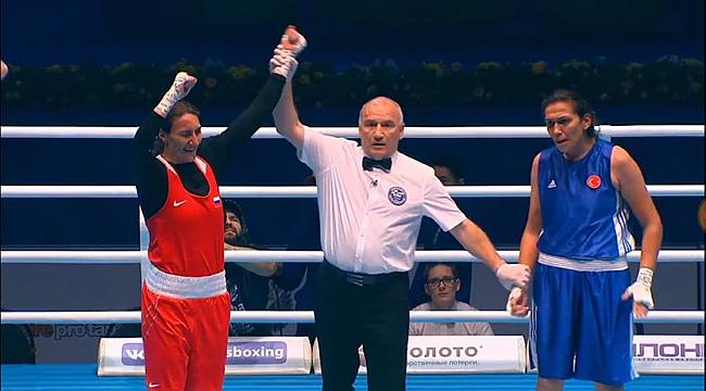 Dünya Kadınlar Boks Şampiyonası'nda Elif Güneri'den gümüş madalya
