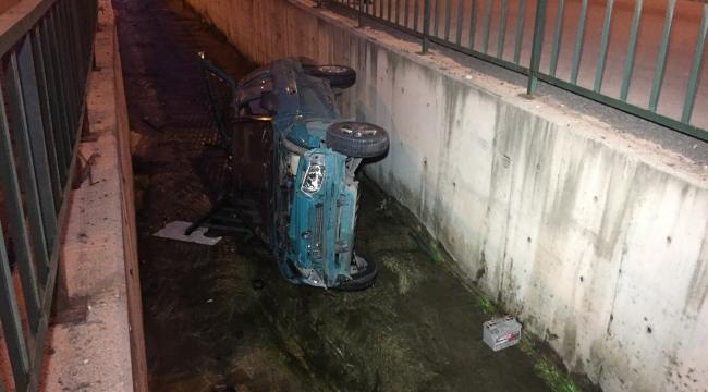 Karabük'te Otomobil Su Kanalına Düştü