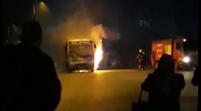 Karabük'te  korku dolu anlar: Seyir halindeki otobüs yandı