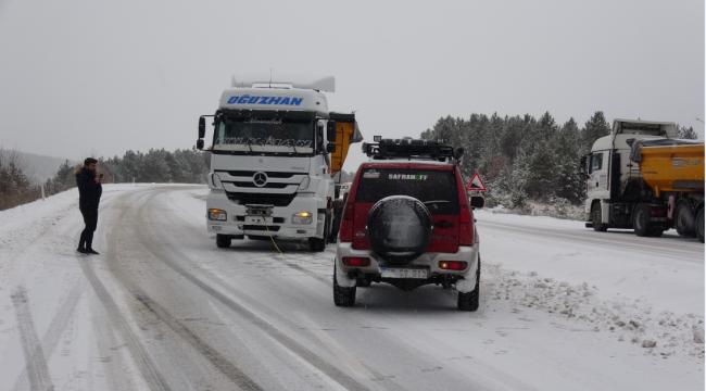 Karabük-Bartın Yolunda Kar Ulaşımı Aksattı
