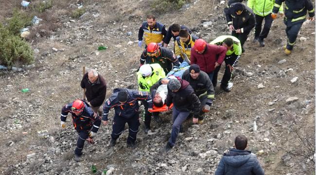 Otomobil uçuruma uçtu: 1 yaralı