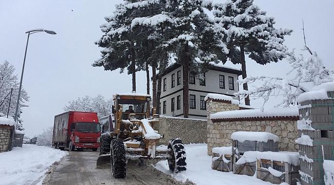 Belediye ekiplerinin kar mesaisi