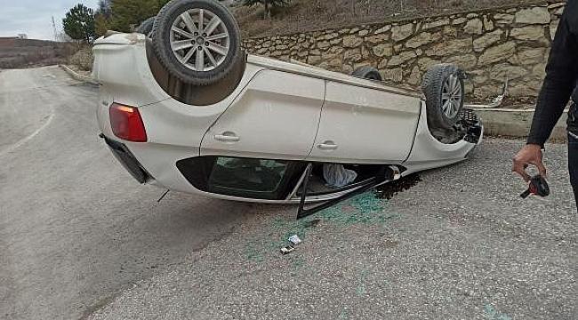 Takla Atarak, Ters Dönen Otomobilden Kendi İmkanlarıyla Çıktı