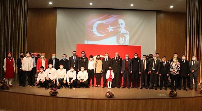 İstiklal Marşının 100. Yılında Mehmet Akif Ersoy Anıldı