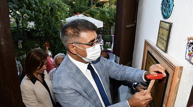 """En İyi Korunan Ev Ödülünü Alan """"Kavuşturucular Evi""""ne Törenle Plaket Çakıldı"""